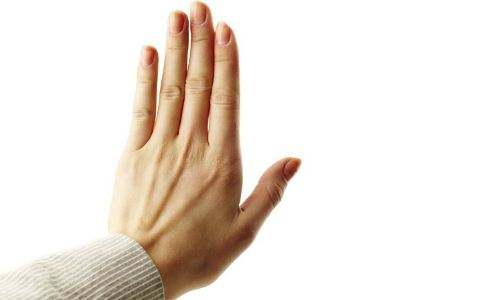 手部出现了白癜风发病要怎么预防啊